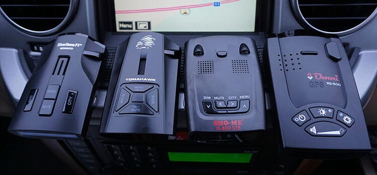 Тестируем Tomahawk Navajo, SilverStone F1 Monaco, Sho-me G-800STR, Omni RS-500 (сравнение)