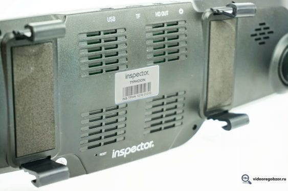 obzor videoregistratora v vide zerkala inspector typhoon s gps modulem i bazoy kamer 12
