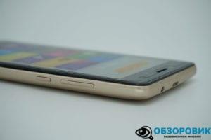 DSC05851 300x200 - Обзор смартфона DIGMA HIT Q500 3G