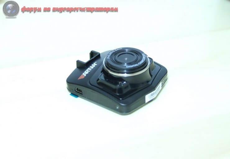 obzor byudzhetnogo videoregistratora artway av 513 9