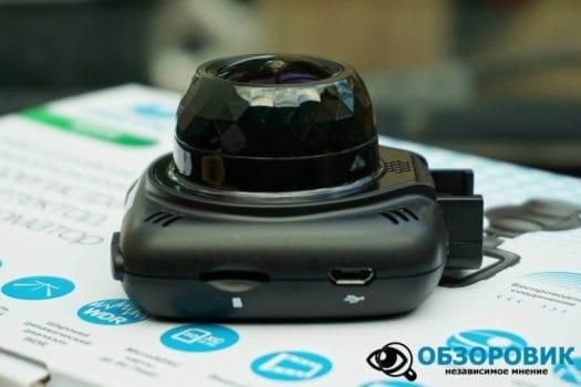 Обзор разънесенного видеорегистратора с радар детектором PlayMe MAXI гибрид 24