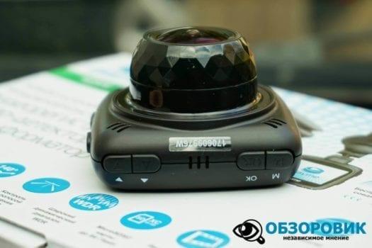 Обзор разънесенного видеорегистратора с радар детектором PlayMe MAXI гибрид 30
