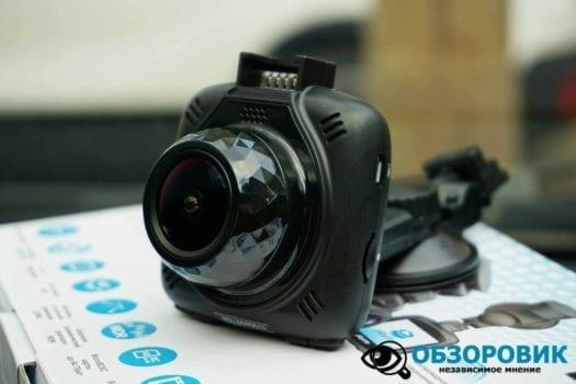 Обзор разънесенного видеорегистратора с радар детектором PlayMe MAXI гибрид 32