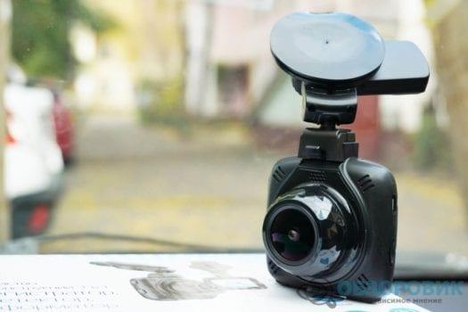 Обзор разънесенного видеорегистратора с радар детектором PlayMe MAXI гибрид 40