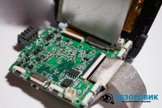 Обзор разънесенного видеорегистратора с радар детектором PlayMe MAXI гибрид 55
