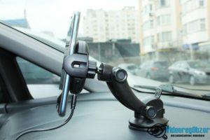 автомобильная беспроводная зарядка с сенсорным механическим захватом QCYBER AUTOMATIC 17